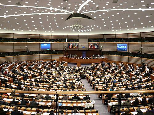 Parlamento_europeo_famiglia_lavoro